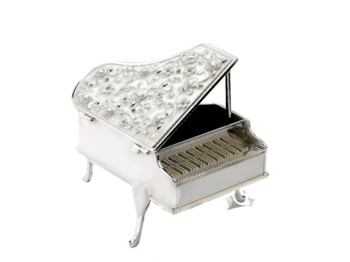 piano_shaped_enameled_silver_box_one