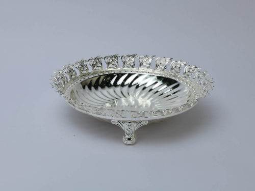 peacock_leaf_border_square_silver_bowl_size-medium_one