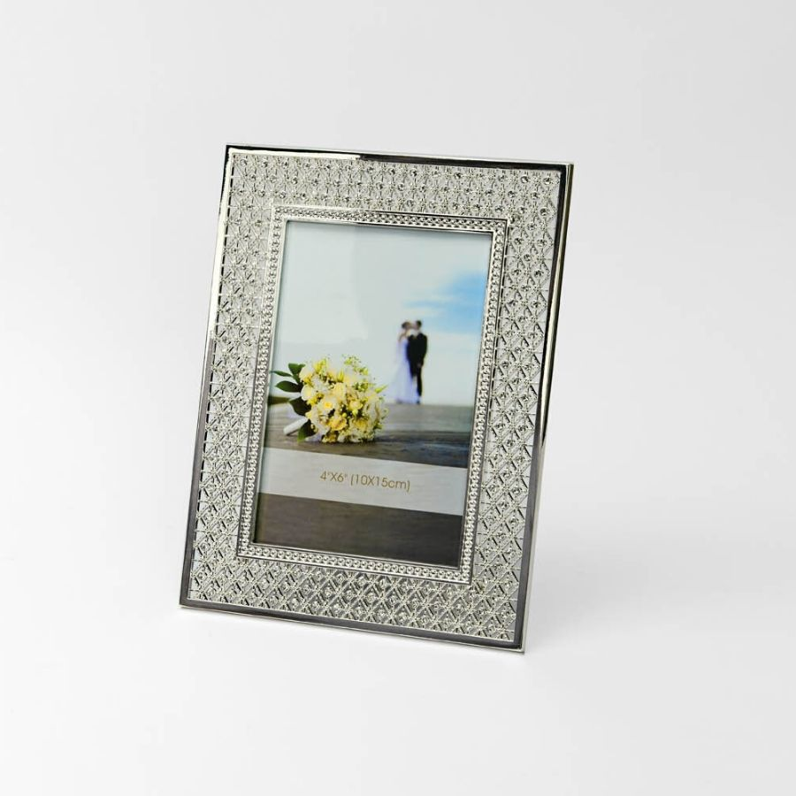 crystal-studded-silver-photo-frame