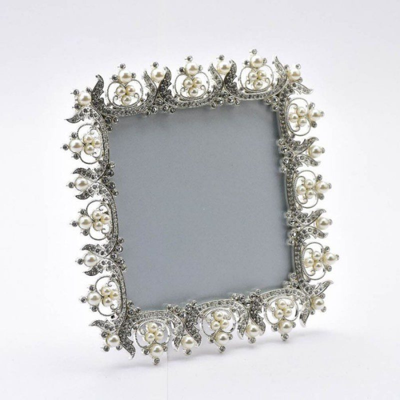 square-beaded-pearl-photo-frame