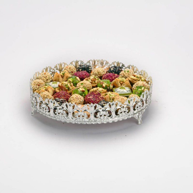 beautiful-border-round-silver-tray